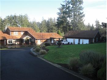 1236 SW Pine Dr, Warrenton, OR