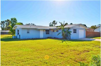  1040 N. Banana River Dr., Merritt Island, FL
