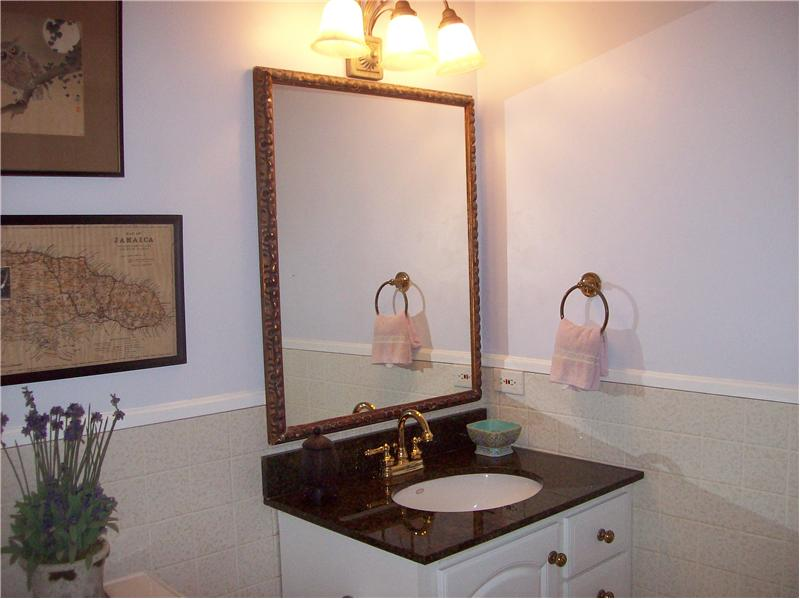 Guest Cottage Bath Vanity
