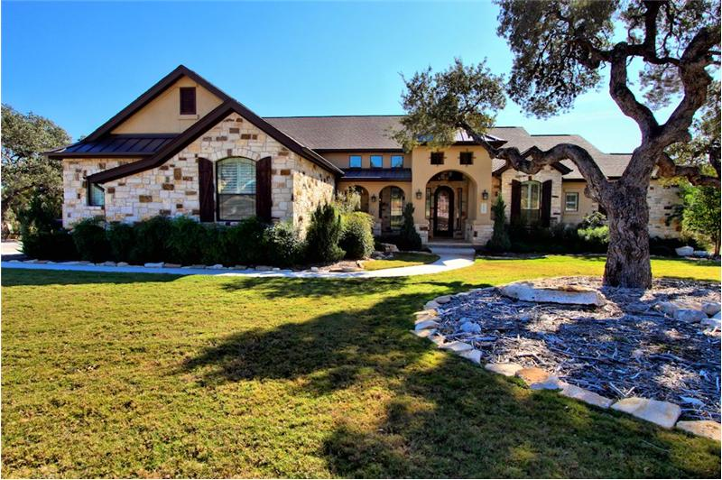 Property pictures of 1025 spanish trail new braunfels tx for Texas hill country houses for sale