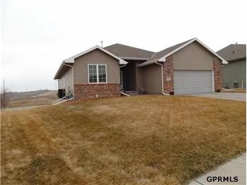  4616 Springview Drive, Papillion, NE