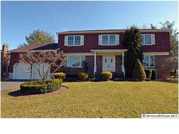 55 W Canadian Woods Road, Manalapan, NJ
