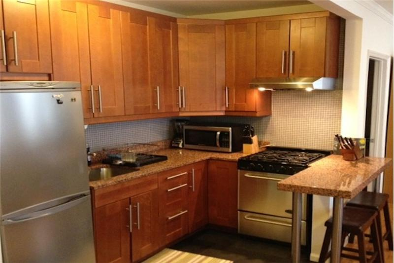 Granite, stainless, wood, porcelain Kitchen