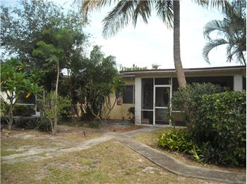  449 NW 1st Av, Boynton Beach, FL