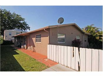 2124 GARFIELD, HOLLYWOOD, FL